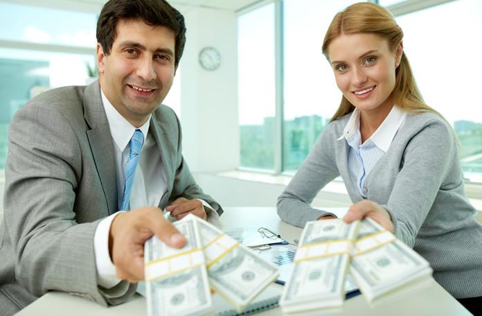 Sprawdź komu przysługują niższe opłaty związane z kredytem gotówkowym?
